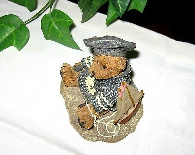 Christian by the Sea #2012 Boyds Bears Bearstone figurine Sailboat Boat Nautical