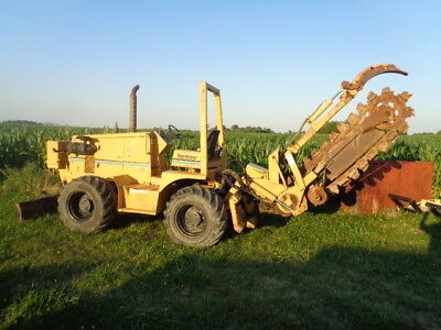Vermeer V8550A trencher 4x4 diesel 6 way blade 7 ft trencher bar only 1320 hours