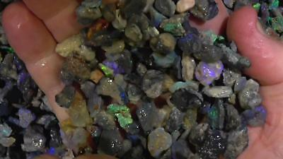 Small deals of seam opal Lightning Ridge, Opal Rough Parcel- Ro325