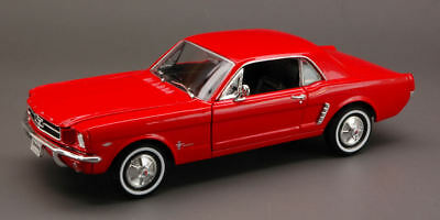 Ford Mustang Coupe' 1964 Red 1:24 Model 2451R WELLY