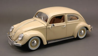 Volkswagen VW Kafer Beetle 1955 Cream 1:18 Model BBURAGO