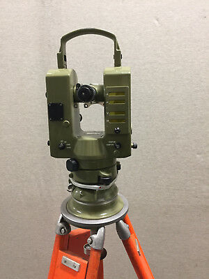 Kern E1 theodolite with Tripod and Cables - Good condition