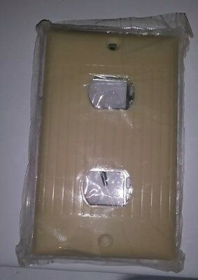 NOS Sierra Single Gang Remote Control Switch Plate Ivory Ribbed