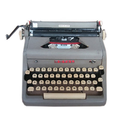 Vintage ROYAL Quiet De Luxe Portable Typewriter Circa 1955