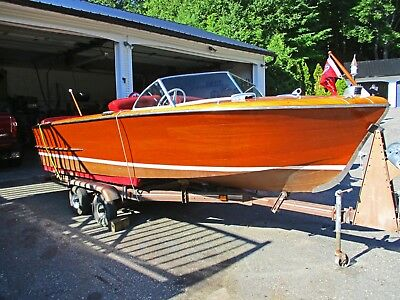1951 19ft Chris Craft Holiday