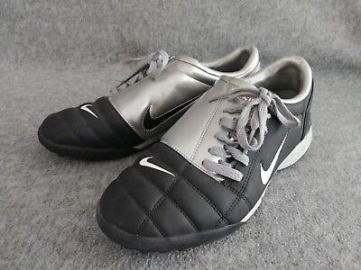 c3a044748c89 2005 Nike Total 90 III TF Men s Rare Soccer Astro Turf Shoes Silver Black  Sz 9.5