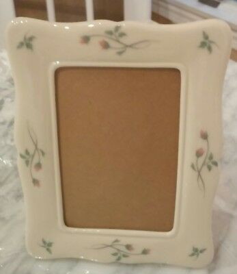 "Lenox Floral Photo 6.5"" X 5.5"" Ivory Frame Holds a 3.25"" X 4.75"" Photo"