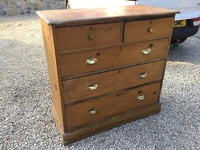 Old Pine chest of 5 drawers with brass handles