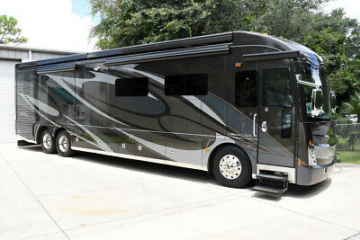 2014 American Coach American Tradition 42M Full Wall Slide Bath And Half