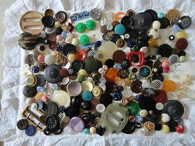 Lot antique vintage buttons Glass Bakelite Art Deco fabric wood metal 1Lbs