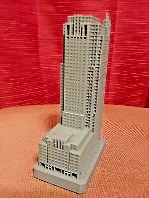 Heller International souvenir building replica detailed architecture desk model