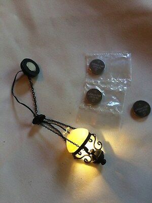 Dollhouse Battery Operated Black Hanging Lamp 1:12  MiniLighting +4 Batteries