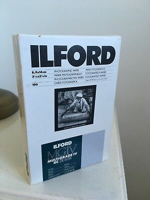 100 sheets Ilford multigrade IV RC de luxe black and white photographic paper