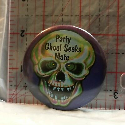 Party Ghoul Seeks Mate Novelty Button Badge BX