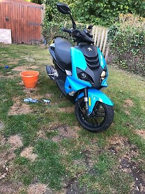 Peugeot Streetfight 4 50cc moped