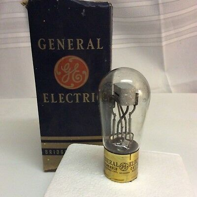 Vintage General Electric Tungar Light Bulb 16 X 897 made in the USA, not tested