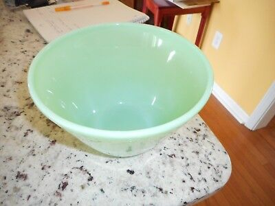 Jadeite Bowl- No Splash Mixing Bowl
