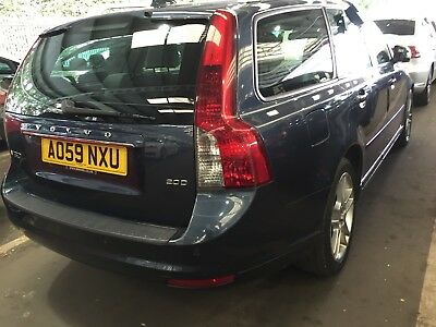 59 Volvo V50 2.0 D Se Lux Estate **14 Service Stamps** Leather,climate, Fabulous