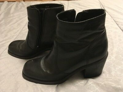 Women's BAKERS (B) Black Leather Zip Up Ankle Calf Fashion Boots Size 6.5