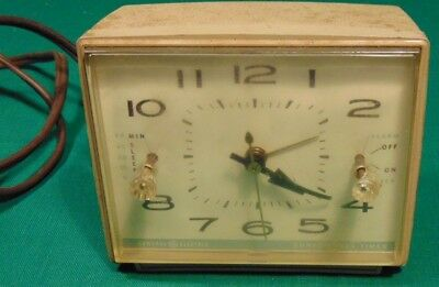 Vintage Working General Electric Alarm Clock Convenience Timer Model 8109 White