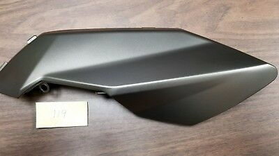 Aprilia shiver rh air duct grey (new)