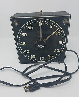 Gralab 300 Darkroom Timer 60minutes with luminous numbers and dial Used