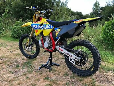 suzuki rm 250 2006 no reserve auction no longer have the room to keep.