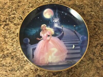 Franklin Mint Heirloom Magic of Cinderella Porcelain Plate WITH GLASS SLIPPER!