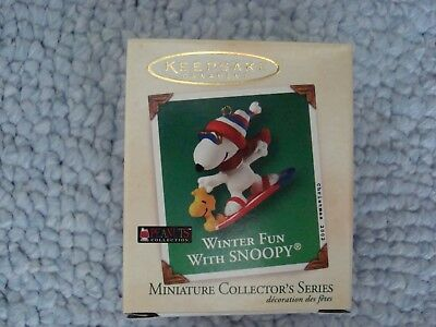 Peanuts Miniature Collector's Series Winter Fun With Snoopy Christmas 2002