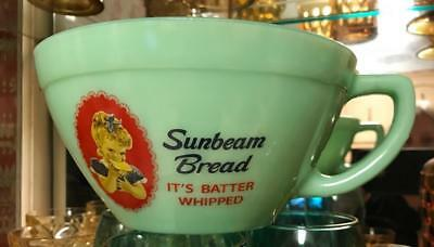 SUNBEAM BREAD JADEITE GREEN GLASS ADVERTISING BATTER BOWL w/ POUR SPOUT