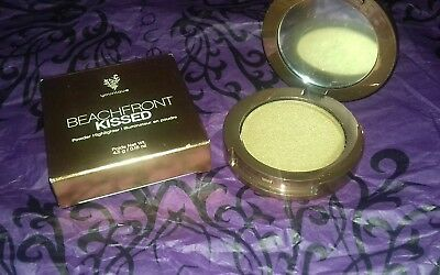 Younique Beachfront Kissed Powder Highlighter Compact  - Belize - BNIB