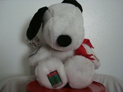 Peanuts Snoopy Christmas 40 Years Plush Collectors Doll With Tags