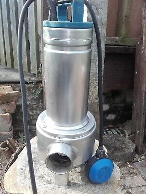 Lowara Domo15 submersible pump with float switch 240v