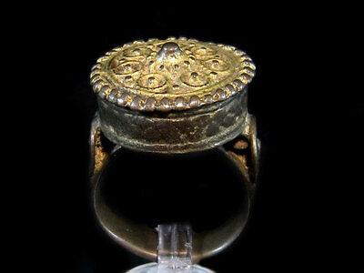 OUTSTANDING ANTIQUE  LARGE GILT SILVER RING known as REX RING, circa 1800's.!!!