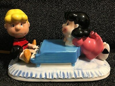 1989  Peanuts  Lucy on  Schroeders  Piano  Ceramic  Music Box