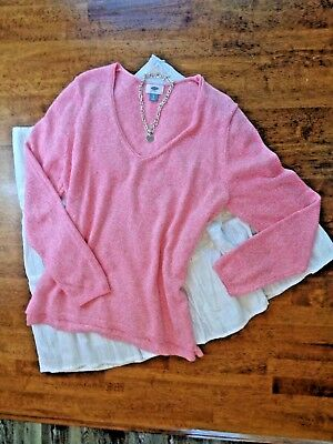 Women's Pink Sweater/Top Size XL/White Skirt Size 16 w/Matching Necklace Outfit