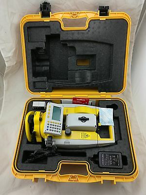 NEW South Reflectorless 500m laser total station NTS-332R5 with A prism  1PCS