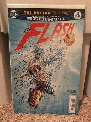 The Flash #21 Part Two The Button Newsstand Variant 3.99 Cover Price RARE Unread