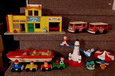 Lot of Vintage Fisher Price Little People Figures, Furniture and Tonka BOAT