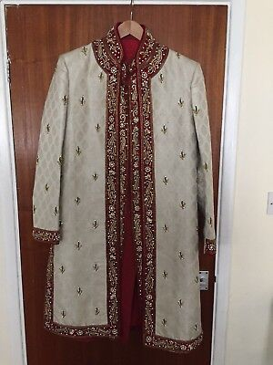 Stunning mens wedding sherwani *Used Once* Includes Turban And Shoes RRP £500