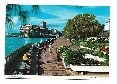 The Esplanade, Singapore Postcard Unused 930G