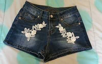 Girls Denim Shorts s-8 hand sewn lace