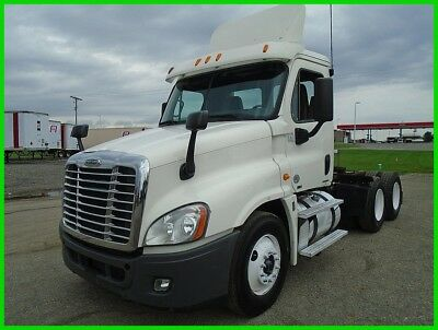 2012 Freightliner PX125064ST Day Cab Used