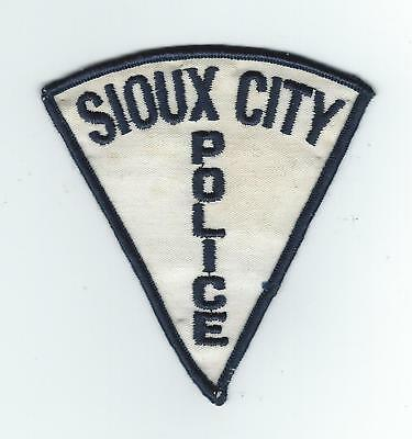 VINTAGE SIOUX CITY, IOWA  POLICE (CHEESE CLOTH BACK) patch