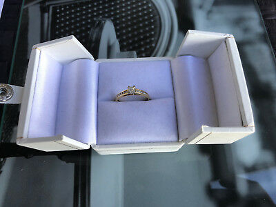 18ct DIAMOND LADIES RING YELLOW GOLD 2.40g 0.35ct WITH CERTIFICATE OF VALUATION