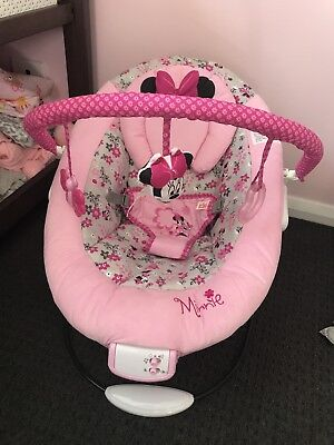 Minnie Mouse Blushing Bows Bouncer