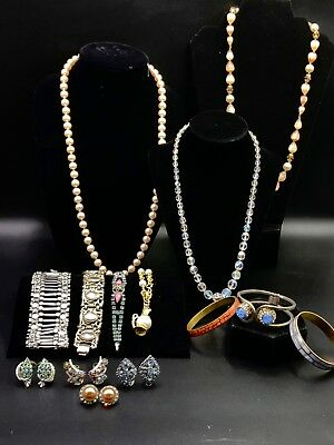 Estate lot of 14 Pcs of Vintage Costume Jewelry in MINT to Pristine Condition