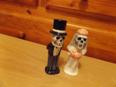 Closing Down Sale !!!   Collectible Salt And Pepper Shakers.