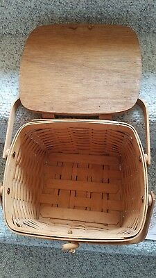 Longaberger Picnic Basket made of Smaller Weave with woven lid, 1990, never used