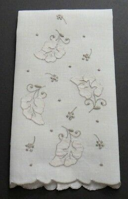 VTG. Madeira Ecru Linen Guest Towel, Taupe Embroidery & Appliqué Falling Leaves